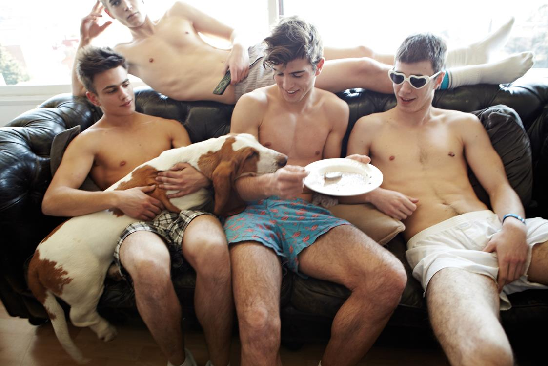 Opinion Men hanging out of shorts agree